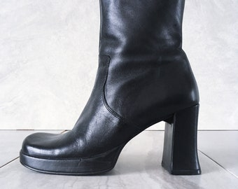 741313f59622 90 s Black Leather Platform Boot   Chunky Heel   Size 7