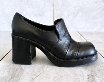 b1a71a20bf32 90 s Black Leather Chunky Heel Loafer   Vintage Block Heel   EU 37