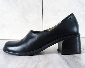 b0a764ee8f08 90 s Black Leather Chunky Loafer   Block Heel   Size 7