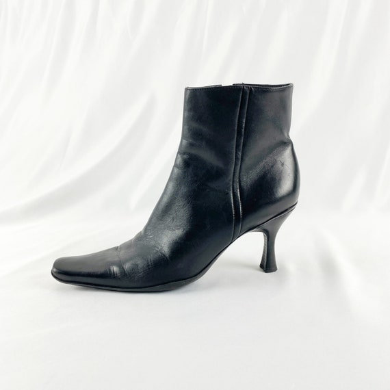 90's Black Leather Ankle Boots / Size 8