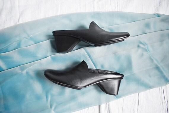 90's Via Spiga Black Mules / Block Heel / Size 7.5 - image 3