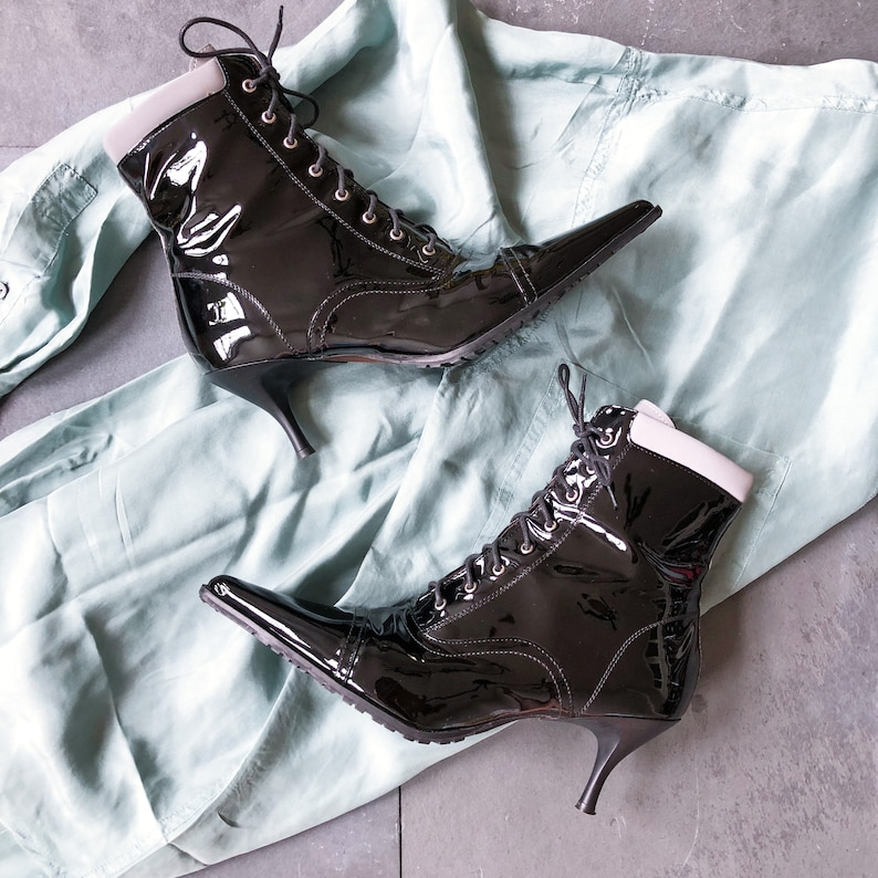 90/'s Donald Pliner Black Silver Patent Leather Lace Up Ankle Boot  7.5