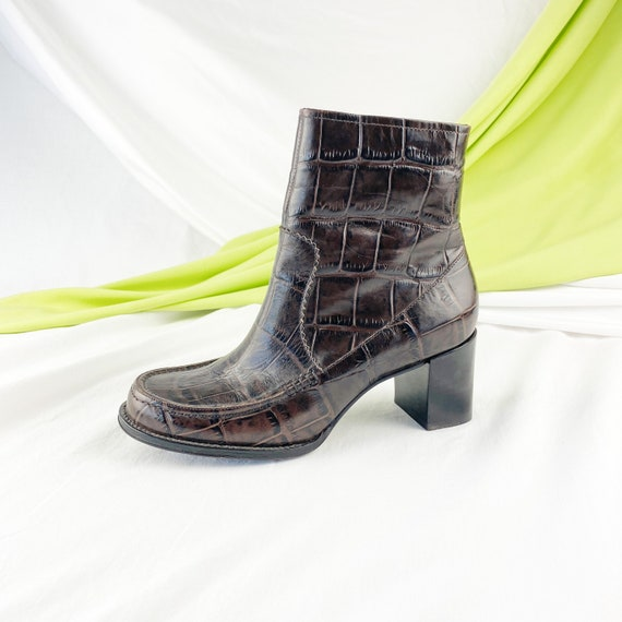 90's Crocodile Leather Ankle Boots / Block Heels … - image 2