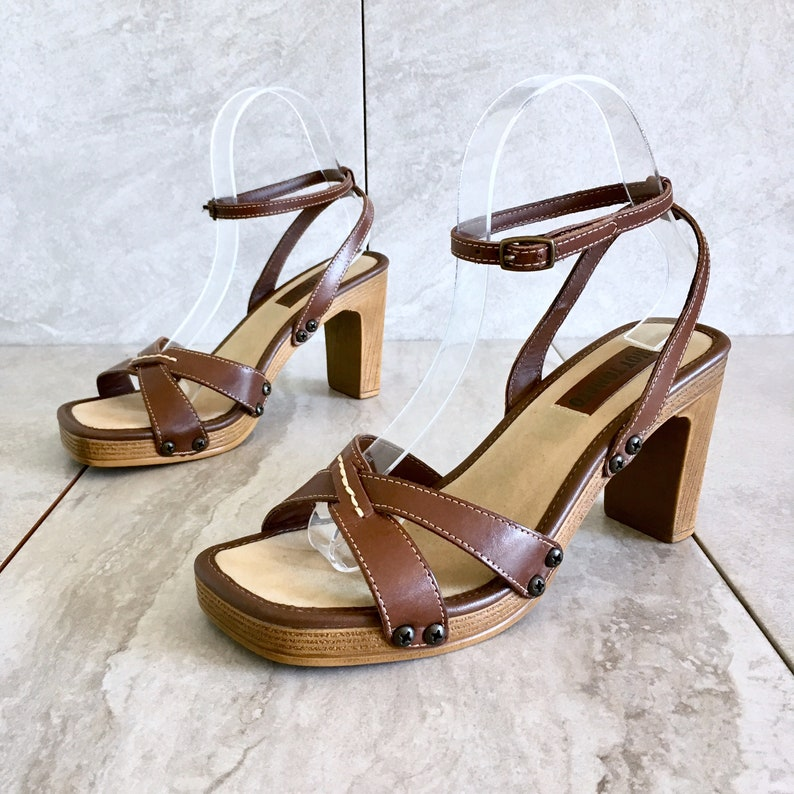 4befe5623fa9c CLEARANCE 90's Brown Leather Strappy Sandal / Ankle Strap / Studded Clog /  Size 7M