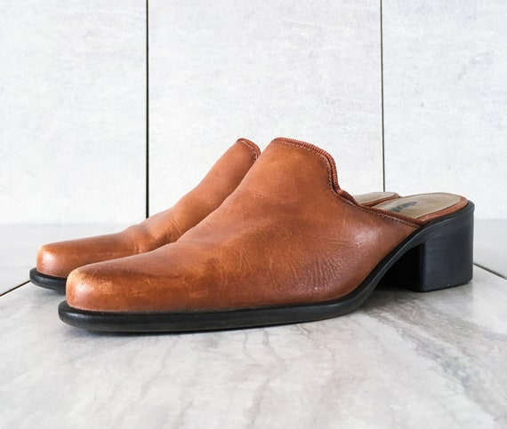 17a3e20238a55 90's Brown Leather Mule / Block Heel / Size 6