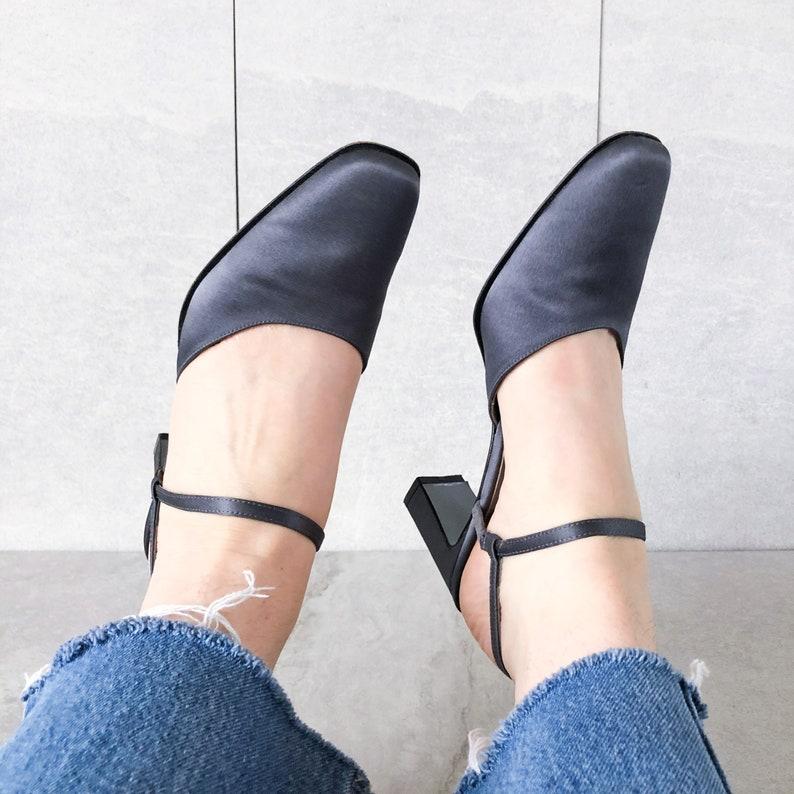 5b24a40f47da1 90's Gray Silk Mary Jane Heel / Slingback Sandal / Size 8