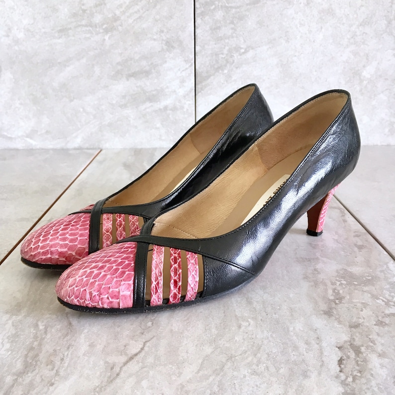 07759dcbb11 CLEARANCE 60's Black Pink Snakeskin Leather Pump / Vintage Heel / Size 7