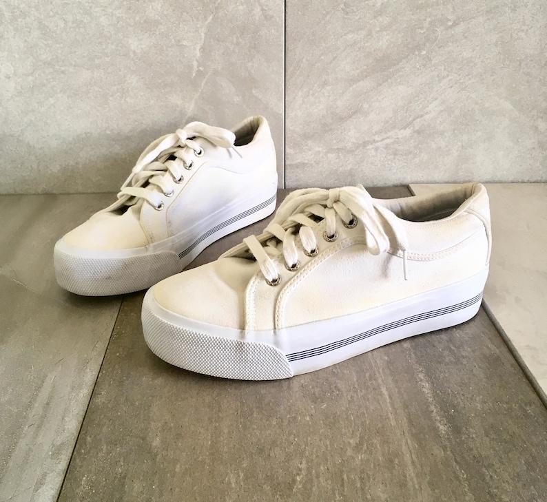 7586401f5d2aff 90 s Tommy Hilfiger Platform White Sneakers   Vintage