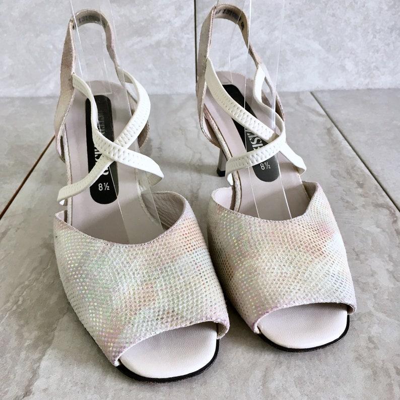 90/'s Cream Silver Iridescent Strappy Sandals  Vintage Peeptoe  Slingback Heel  Size 8.5