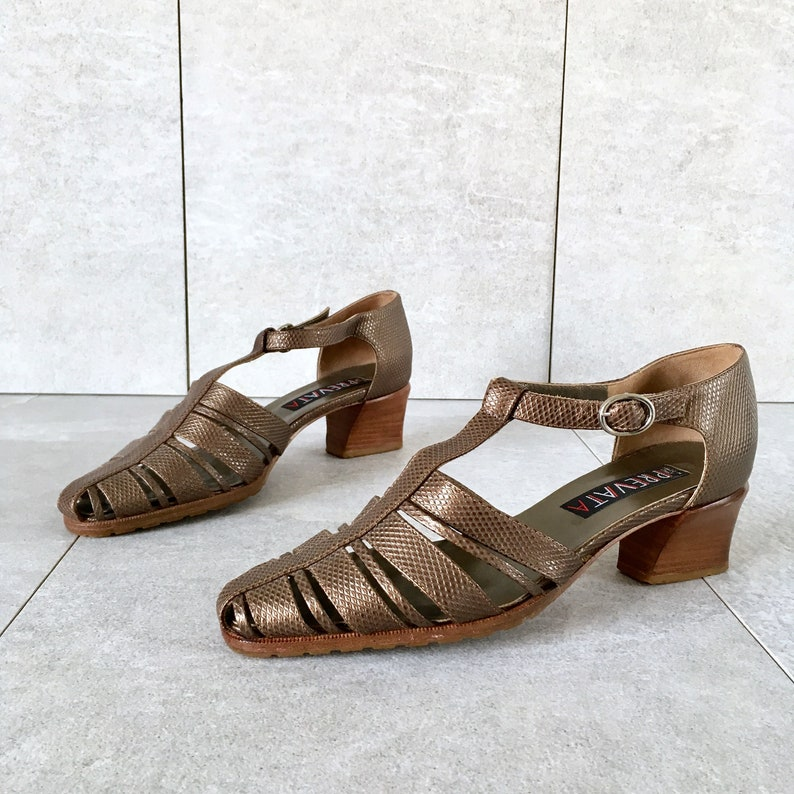 CLEARANCE 90/'s Gold Strappy Sandals Vintage T-Strap Sandal  Block Heel  Kitten Heel  Womens 6.5