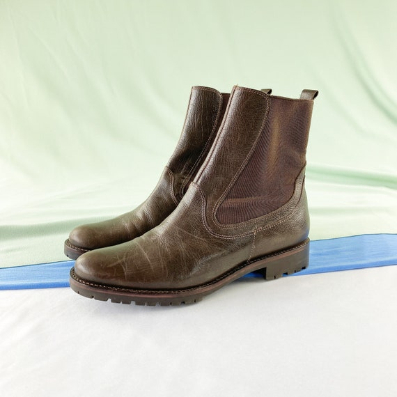 90's Chocolate Chelsea Ankle Boots / Size 6
