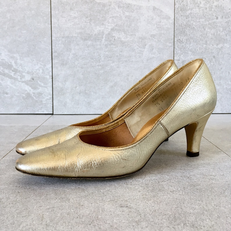 c26f48eccaf CLEARANCE 50s 60s Gold Leather Pump / Vintage Metallic Heel / Size 7.5 N,  6.5-7