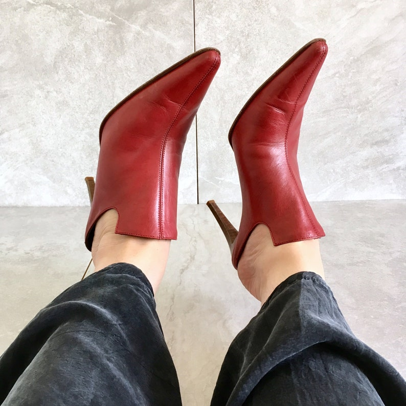 1fd2ebd00640d 90's Red Leather Pointed Toe Mules / Vintage Slip On Heel / Loafer / Size  7.5M