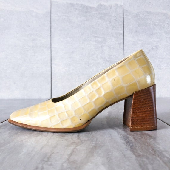 High heel pumps patent Italian  leather Spring Hues made in Italy Us women size 5-10.5