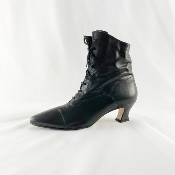 80s 90s Black Leather Lace Up Witchy Ankle Boots /