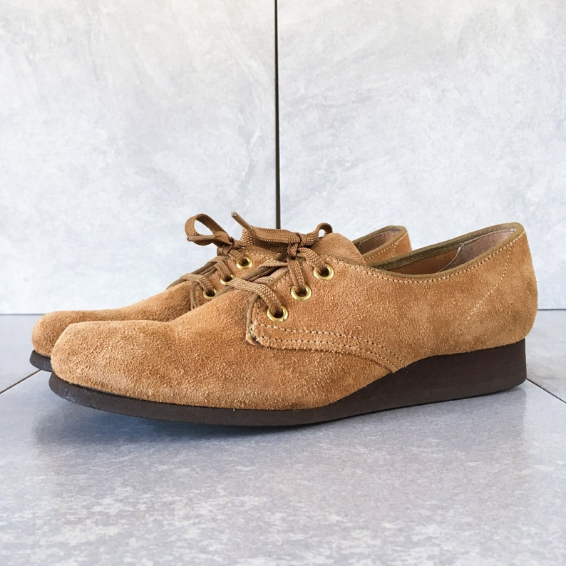 e975cc34c3714 70's Tan Suede Lace Up Wedge / Vintage Oxford / Size 8 3A