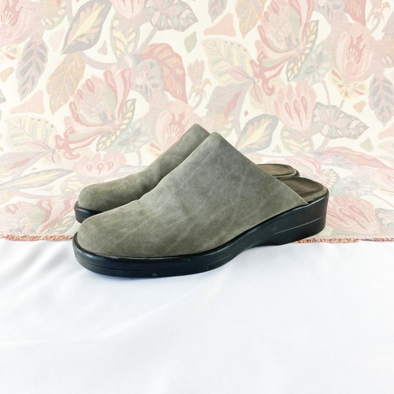 90's Gray Suede Mules Flats / Size 5.5 - image 3