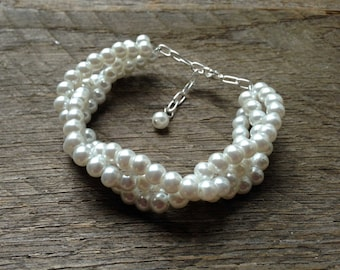 White Pearl Bracelet, Bridal Bracelet Pearl, Wedding Bracelet Pearl, Pearl Bracelet Prom Jewelry on SIlver or Gold Chain