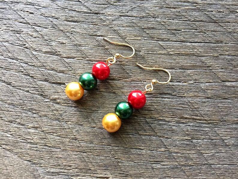 Xmas set Pearl Earrings Christmas Jewelry Pearl Bracelet Gold Red Green Christmas Set Xmas Jewelry on Gold Chain Bracelet Earring Set