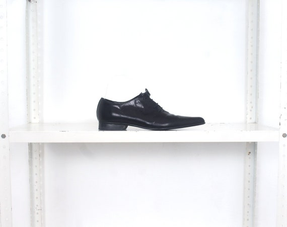 80s black pointy minimal flats shoes