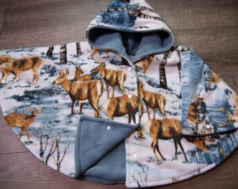 Car Seat Poncho Size 4 Winter Deer Print with Blue Grey Lining Snap Front Closure and Wrist Snaps
