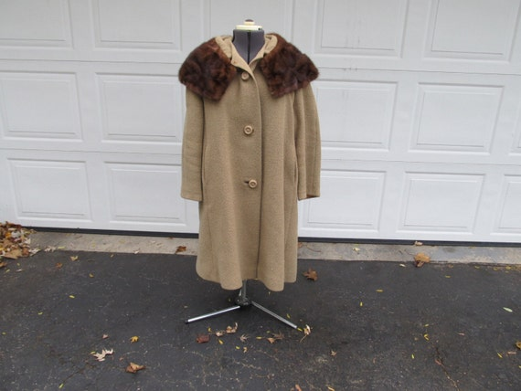 1960s boucle wool coat with large fur collar