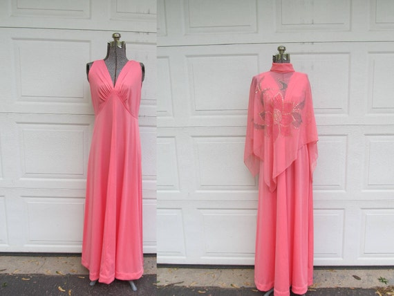 1970s pink goddess maxi dress with cape shawl, vin