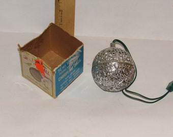 """Vintage 1970s """"Chirping Ball"""" w/ Original Box!  2 5/8"""" Ball Made in Taiwan!  Add Christmas Charm to Tree!  Annoy Children & Pets!"""