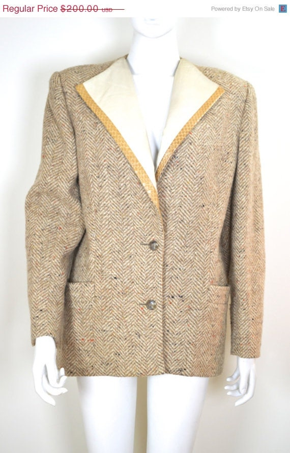 ON SALE Salvatore Ferragamo: 80s Wool Blazer / 80s
