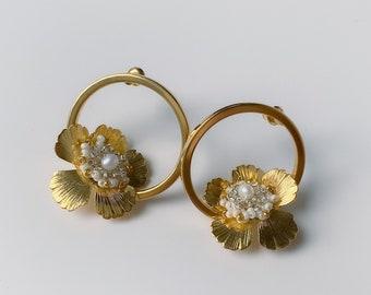 MARTHA earrings, Bridal Accessories, Wedding Bride, Drop Earrings, Bridal Style, Bridal Jewelry, Circle Earrings