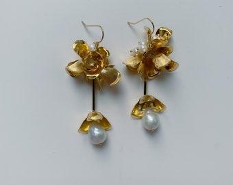 ANA Earrings, Flower Earrings, Pearl Earrings, Drop Earrings, bridal Earrings, Petal Earrings, Bridal Earrings, Wedding Earrings
