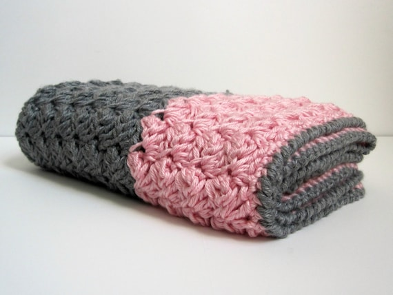 Chunky Preppy Baby Reversible Crochet Blanket Pattern From