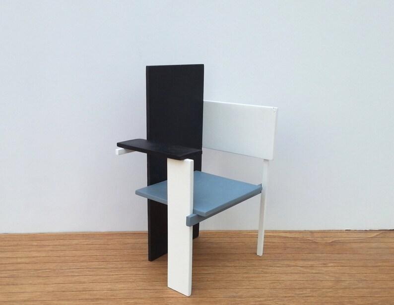 Miniatuur Rietveld Stoel : Gerrit rietveld berlijn stoel 1:6 collectable miniatuur etsy