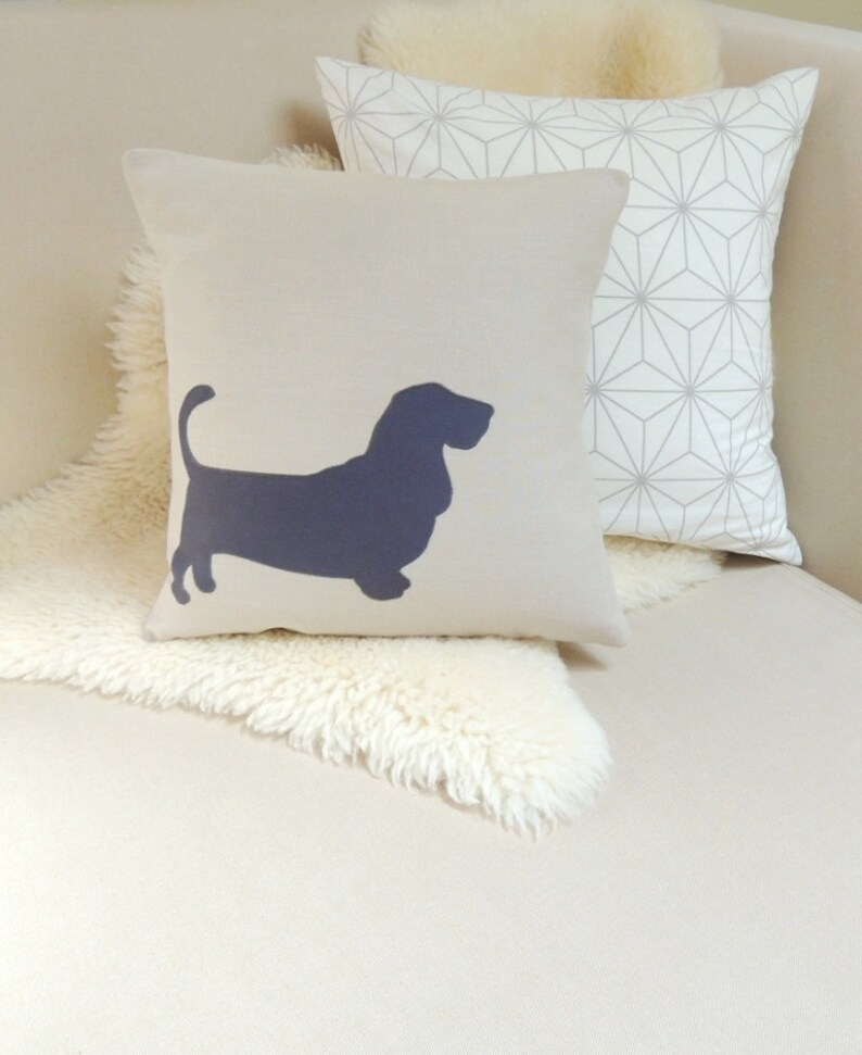 Basset Hound Pillow Cover image 0