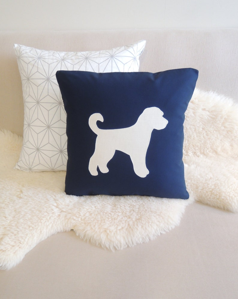 Goldendoodle Appliqué Pillow Cover image 0