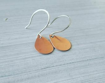 Simple copper teardrop earrings, minimalist jewelry, tear shaped earrings, everyday earrings, copper earrings