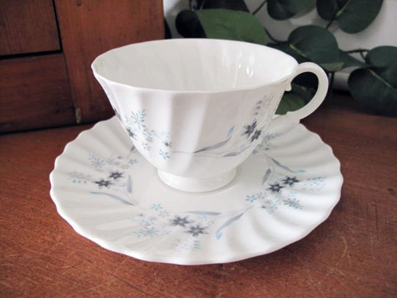 Vintage Royal Doulton Millefleur Footed Cups and Saucers ~ H4953 ~ Four ~ circa 1958-1974