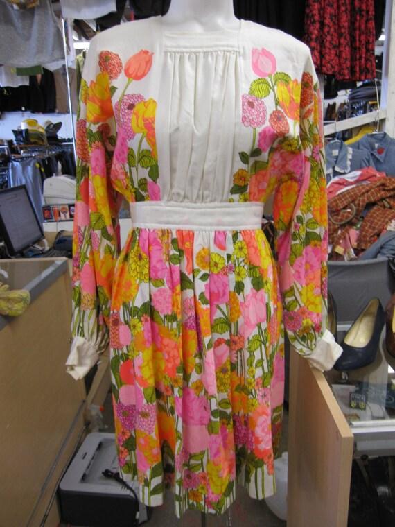 60s Mini Dress // 1960s Dress // XS Small