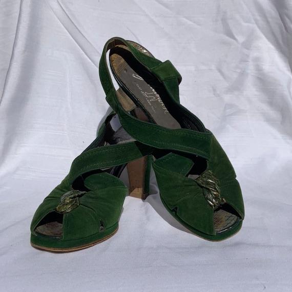 1940s Green Suede Platform Heels