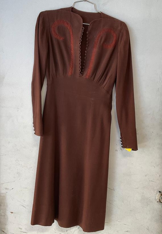 1930/1940 lady's brown dress