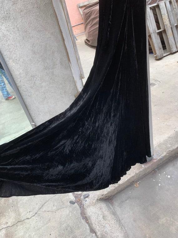 1930s Black Silk Velvet Bias Cut  Evening Gown - image 3