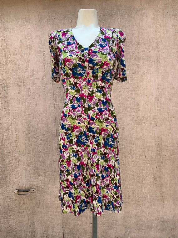 Late 30s/ Early 40s Style Floral Dress