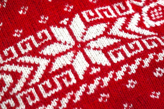 1950's Ski Sweater Wool Snowflake Key Pattern