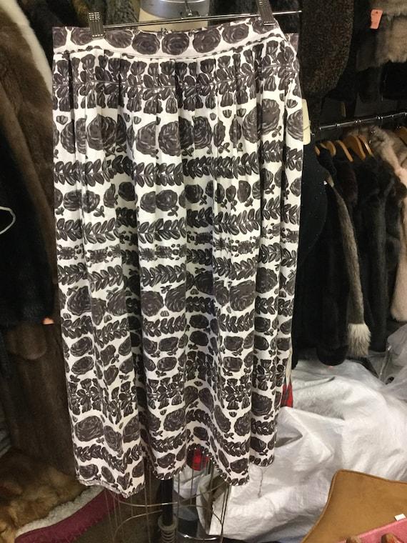 Novelty Print Cotton Waist 30 Skirt - image 1
