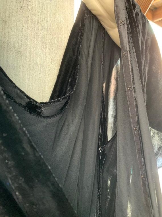 1930s Black Silk Velvet Bias Cut  Evening Gown - image 5