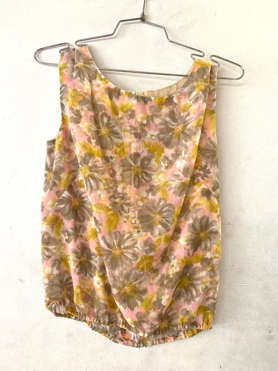 1960's Pink Gray and Chartreuse Shell Top