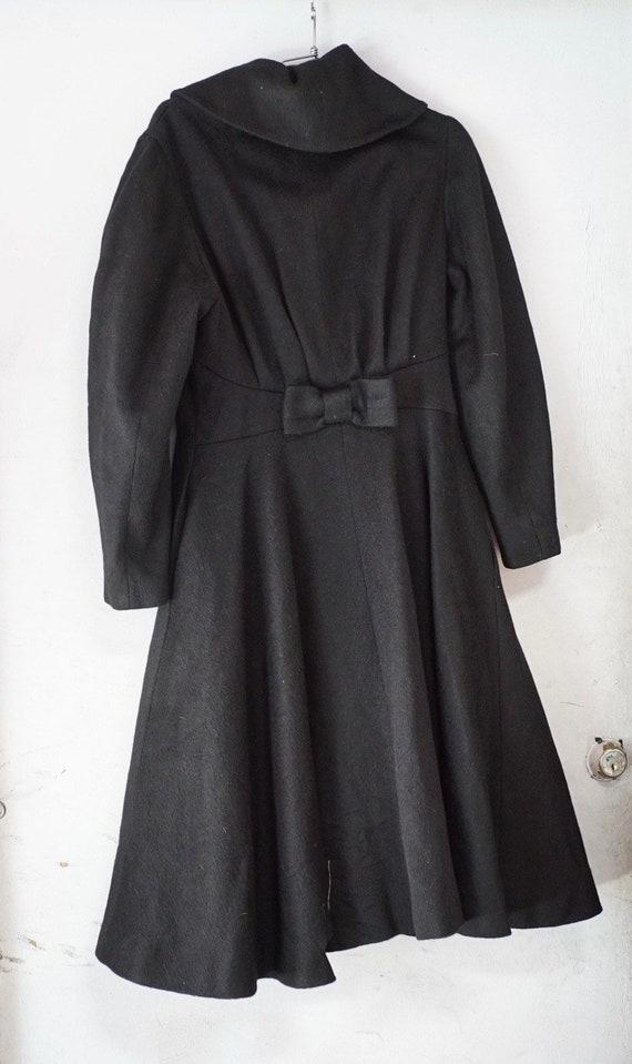1950's Black Princess Seam Wool Coat - image 4