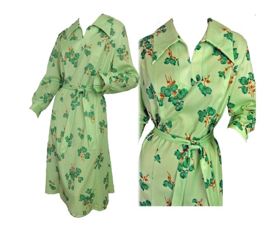 Vintage 70s Day Dress Green Floral Print Fit & Fla