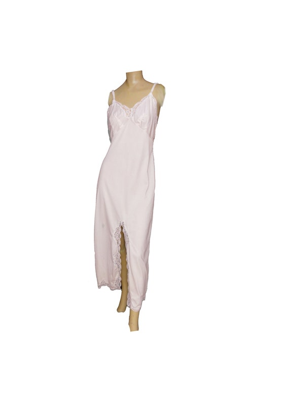 wonder maid . retro lingerie full slip pink Full  Slip Bombshell slip wonder maid slip pink and cream 60s slip size 36
