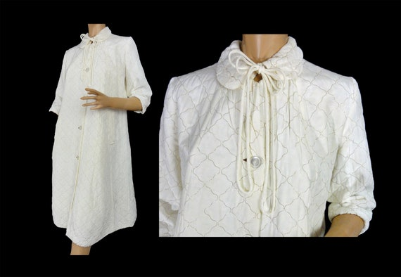 Vintage 60s Robe Quilted Off White with Metallic G